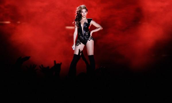 Que o mundo a desculpe pelo padrão Beyoncé de qualidade