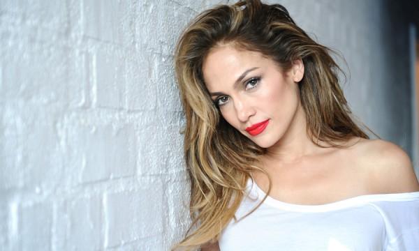 "Jennifer Lopez ainda quer falar de amor em ""A.K.A."""