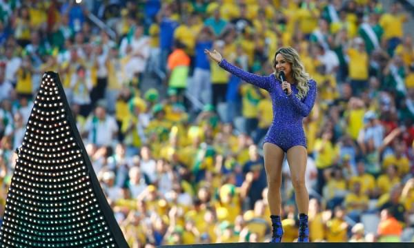 Quando Claudia Leitte não é vergonha para o Brasil