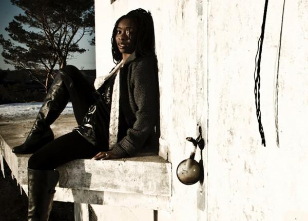Se apaixone pela música e poesia de Iyeoka Okoawo