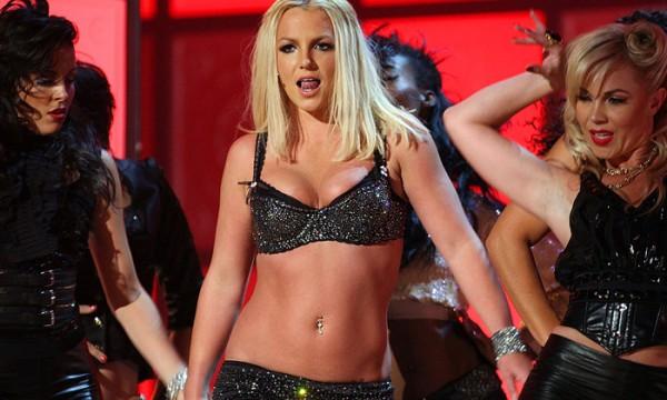 Entre tapas e beijos estrelando Britney e o VMA