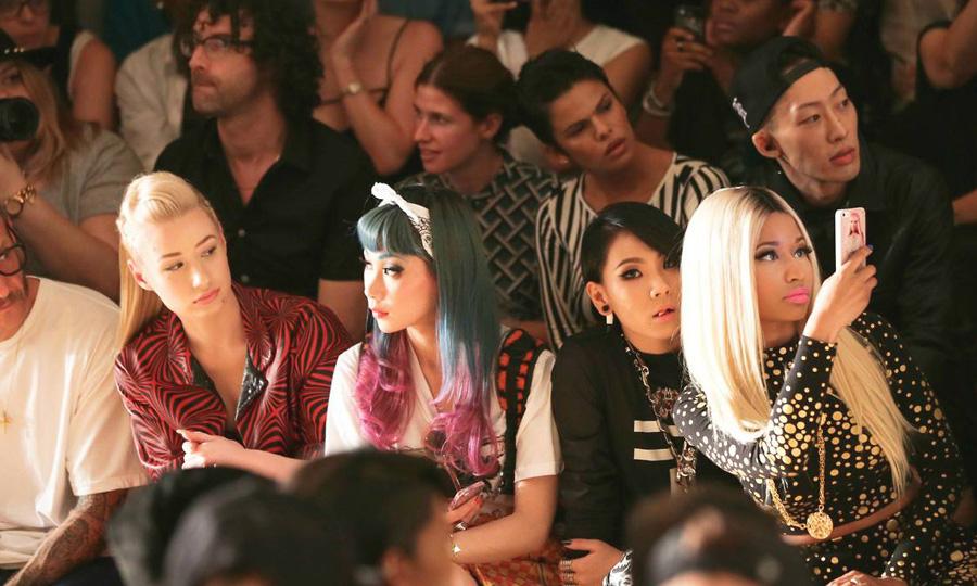 Iggy Azalea e Nicki Minaj lançam novos materiais no mesmo dia
