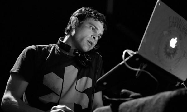 Os maiores hits de 2014 estão no tradicional United State of Pop do DJ Earworm