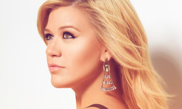 Novo disco de Kelly Clarkson ganha data de lançamento