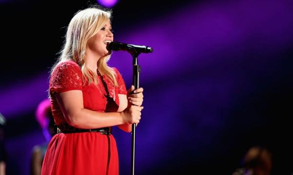 O retorno de Kelly Clarkson está muito próximo de acontecer