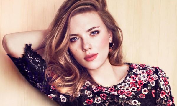 Scarlett Johansson agora é líder de uma girlband